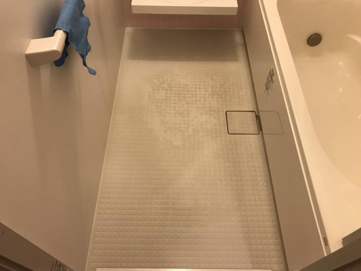 お風呂の床の汚れ