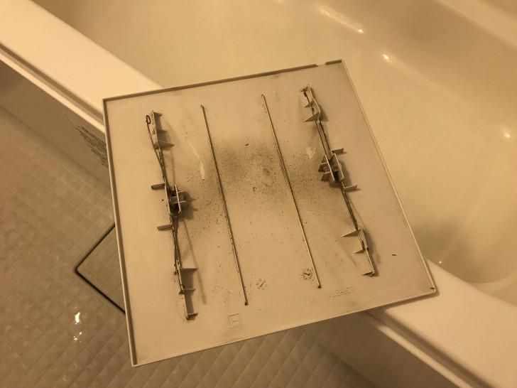 お風呂の換気扇の蓋
